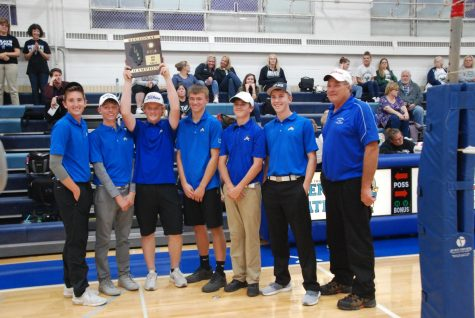 Boys golf brings home IHSA Regional win
