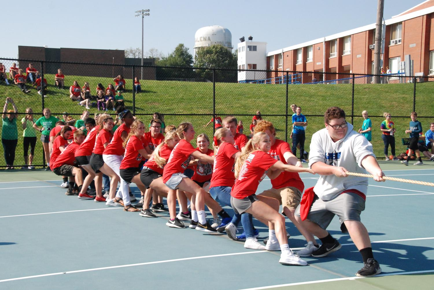 Top Dogs: The senior class works together and dominates in tug of war.