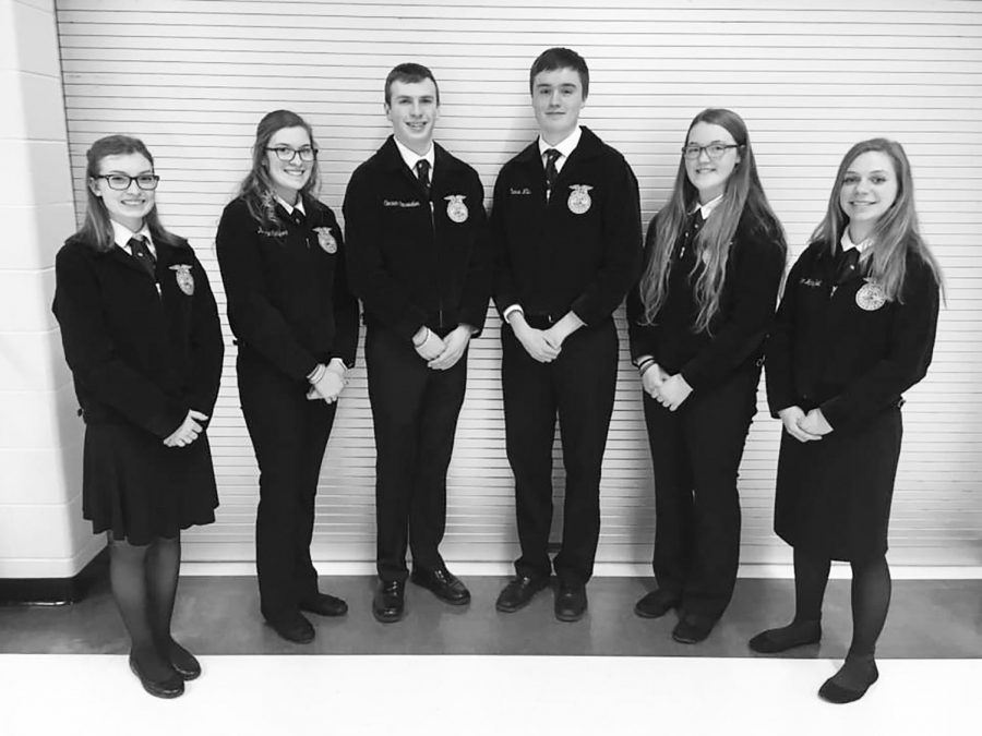 Third place finish. Karsyn DuPlessis '21, Kenzie Casper '20, Conner Einsweiller '19, Chance Wills '20, Aly Anderson '22, and Maggie Handfelt '21 pose for a picture after competing in parliamentary procedure.